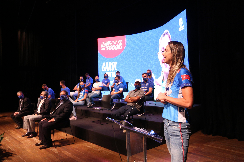 Carol Gattaz representou os atletas e agradeceu pela homenagem e todo apoio do Clube