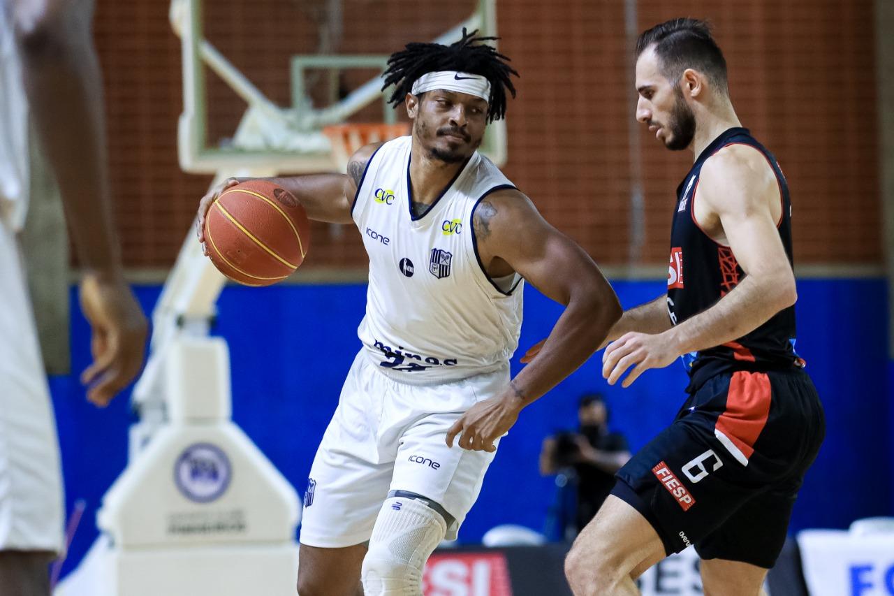 Johnson Sr foi um dos destaques do jogo, com 26 pontos (Foto: Ricardo Bufolin/ECP)