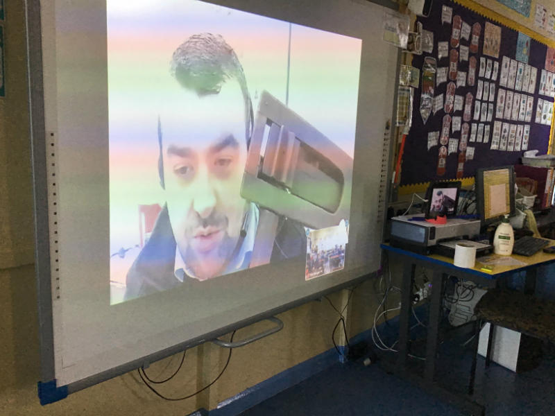 P4 join Enniskillen Castle online- learning about some of the thinks used during the war.