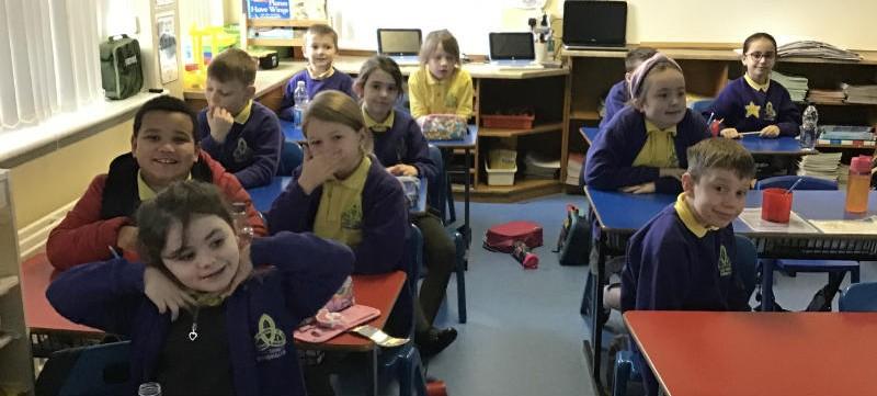 P4 join Enniskillen Castle online to learn about World War II.
