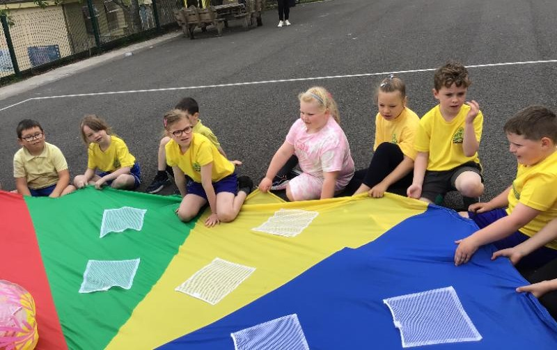 P3 Sports Day: Parachute games