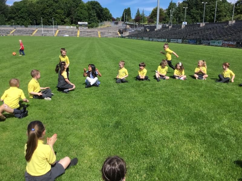 Miss Coyles P2 class enjoy games at Brewster park