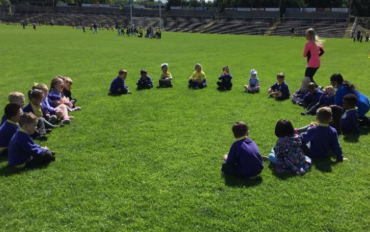 Sponsored walk: Miss Maguire's P1 class play games in Brewster park