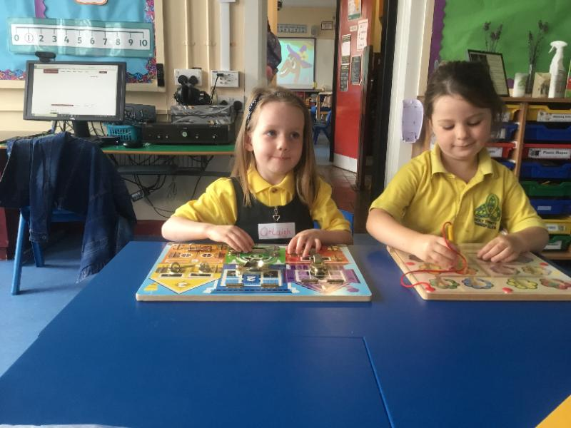 Mrs McMenamin's P1 class: jigsaw puzzles
