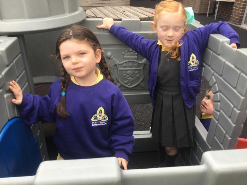 Mrs McMenamin's P1 class:outdoor play