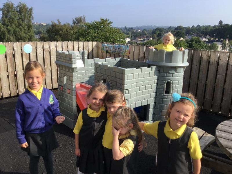 Mrs Fee's P1 class: outdoor play