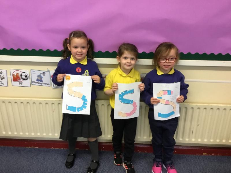 Mrs Fee's P1 class: learning S sounds