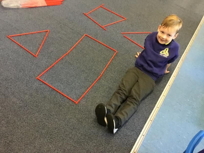 Mrs Fee's P1 class: learning shapes