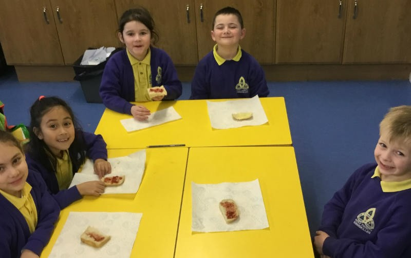 Mrs Reihill's class had great fun baking and then eating their own bread