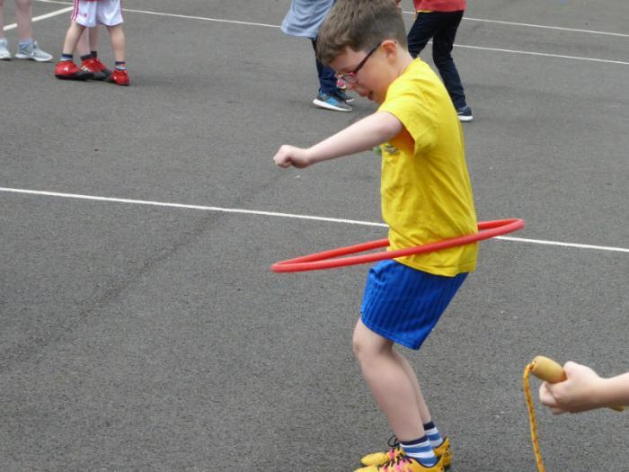 Super hula hooping
