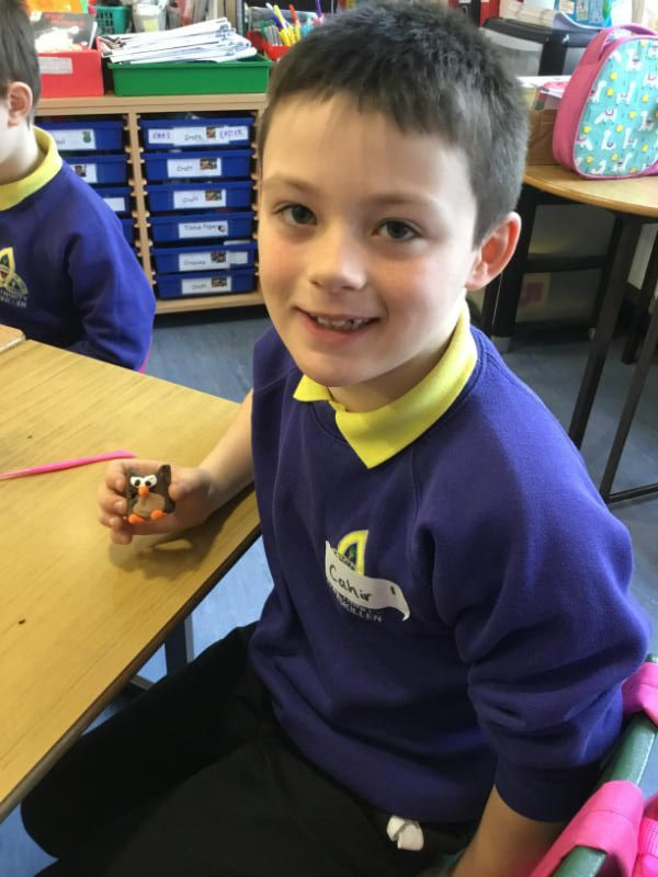 Shared Education with Jones Memorial: Making Owls with modelling clay
