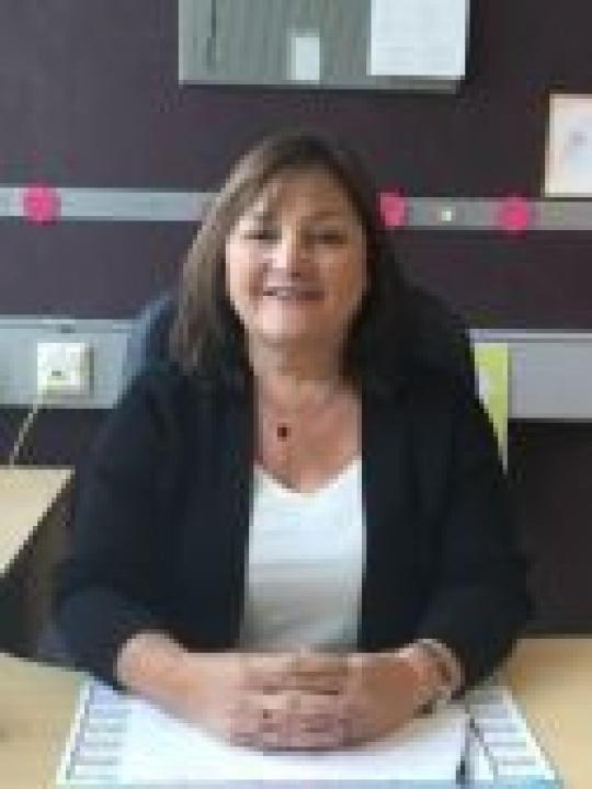 Mrs A Burton