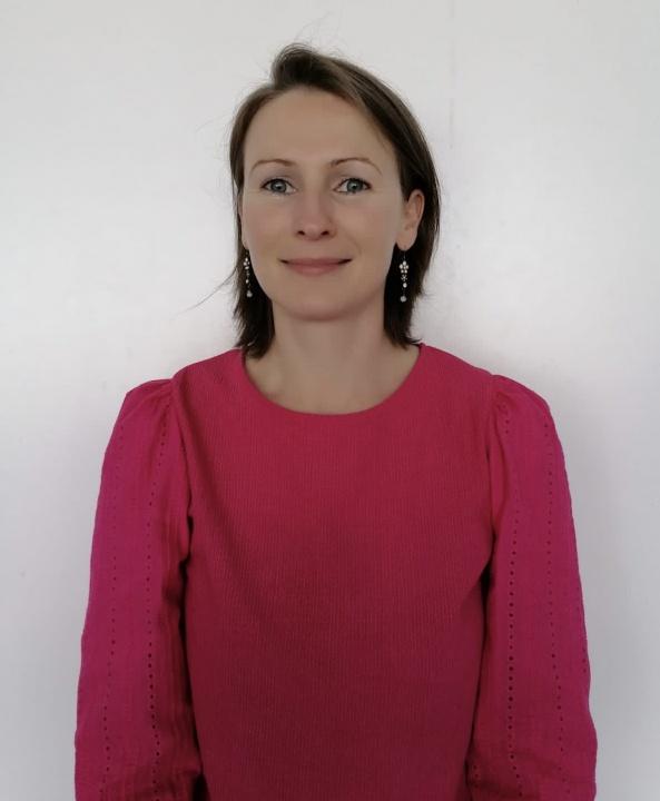 Miss J Graham