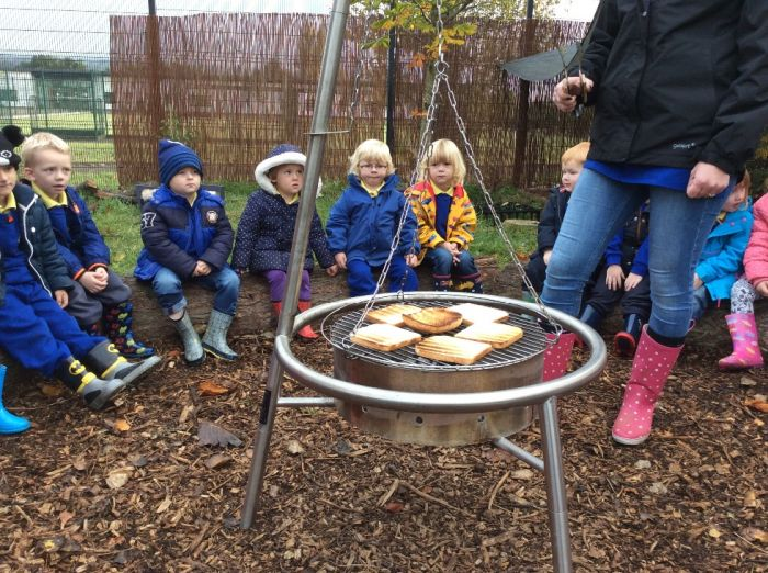Yummy toast on the campfire!