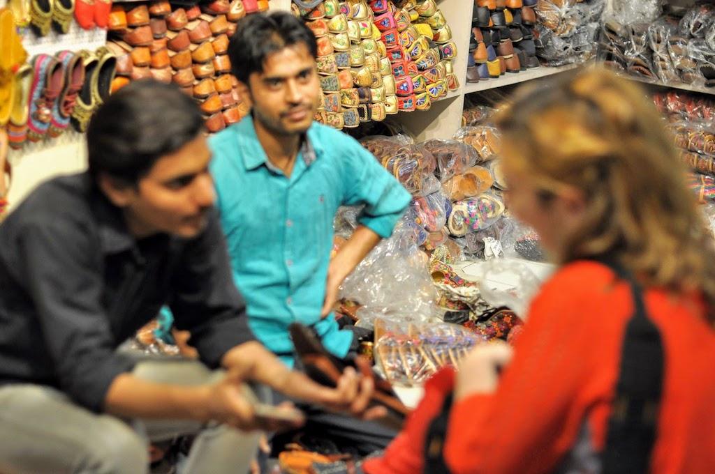 viajar a Jaipur - sandalias