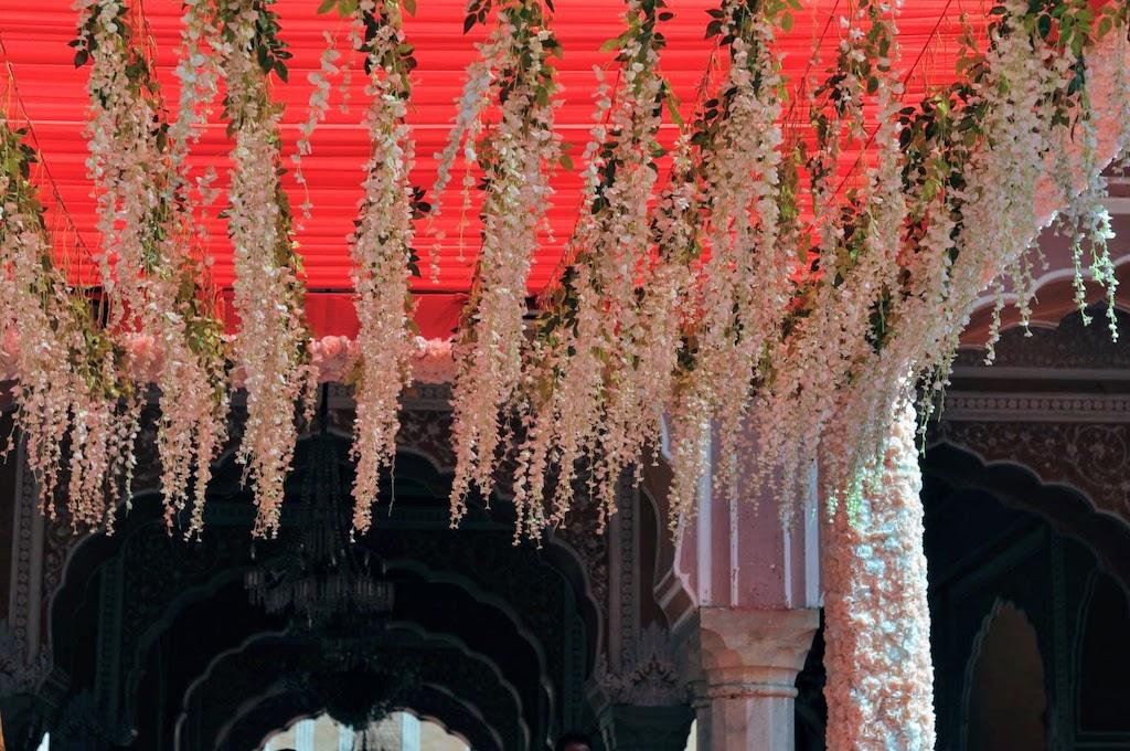 viajar a Jaipur - techo con flores