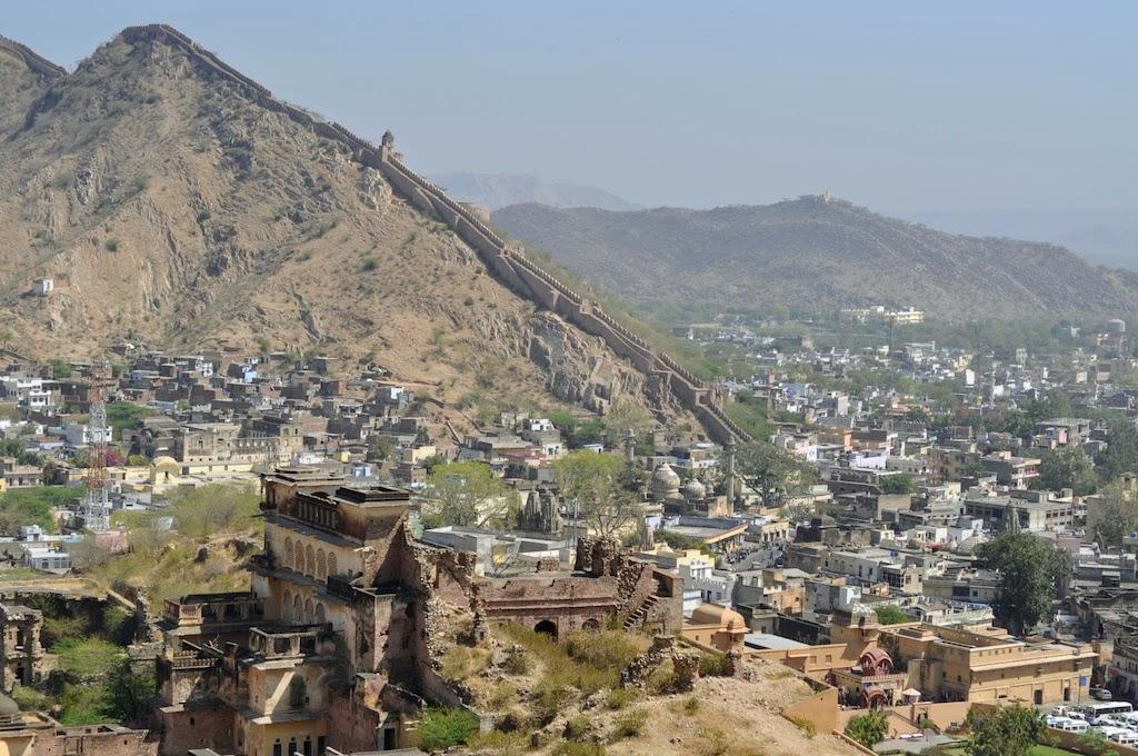 viajar a Jaipur - muralla fuerte Amber