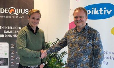 Videquus tecknar avtal med Piktiv. På bilden Linus Jernbom, vd Videquus och Jonas Bjering, vd Piktiv