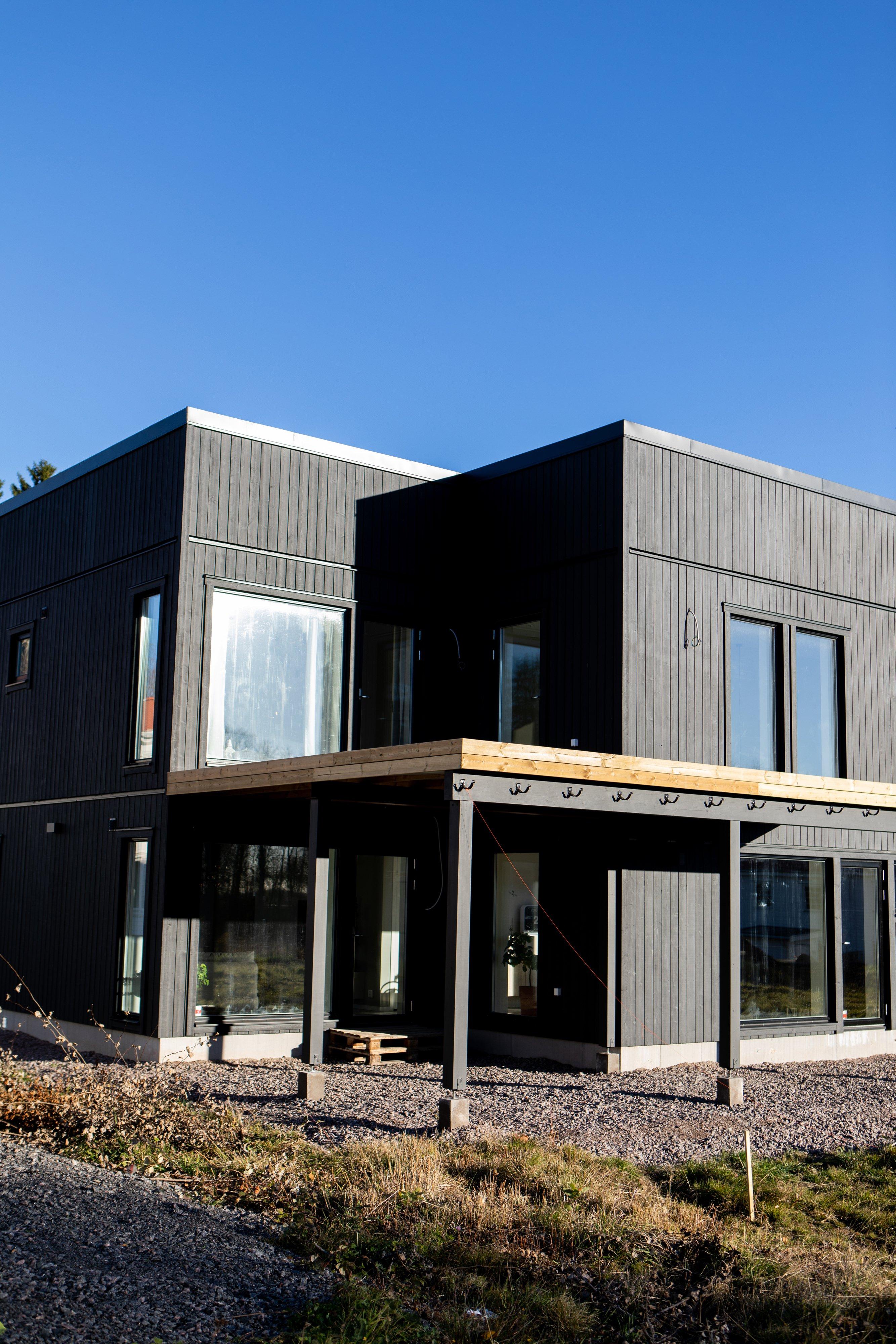 Baksida med uteplats — Villa Elofsson Skövdevillan