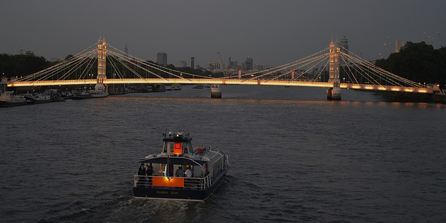 Thames Cruise Rides, exciting ride from the Thames