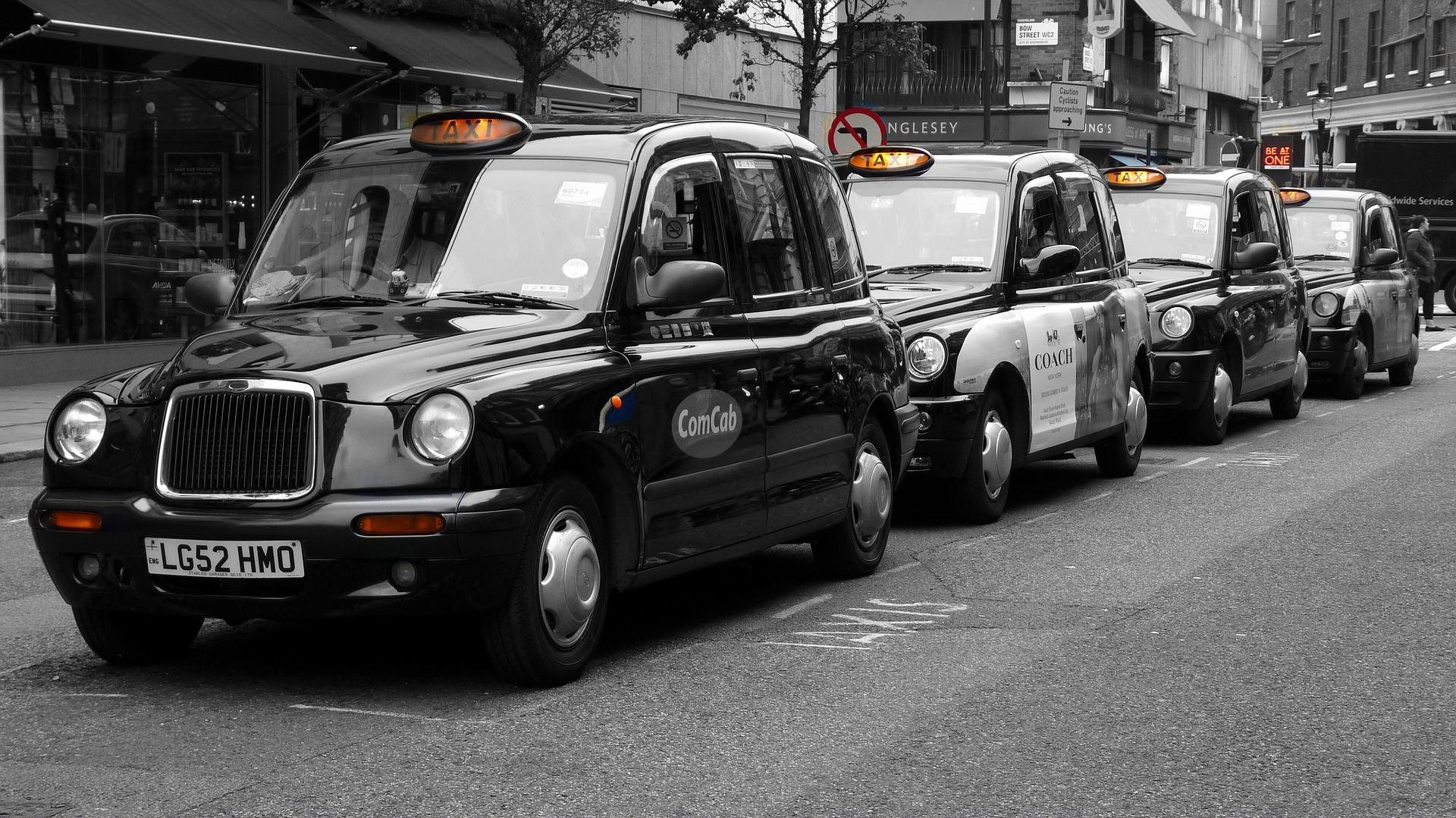 Black cabs, an affordable London transport