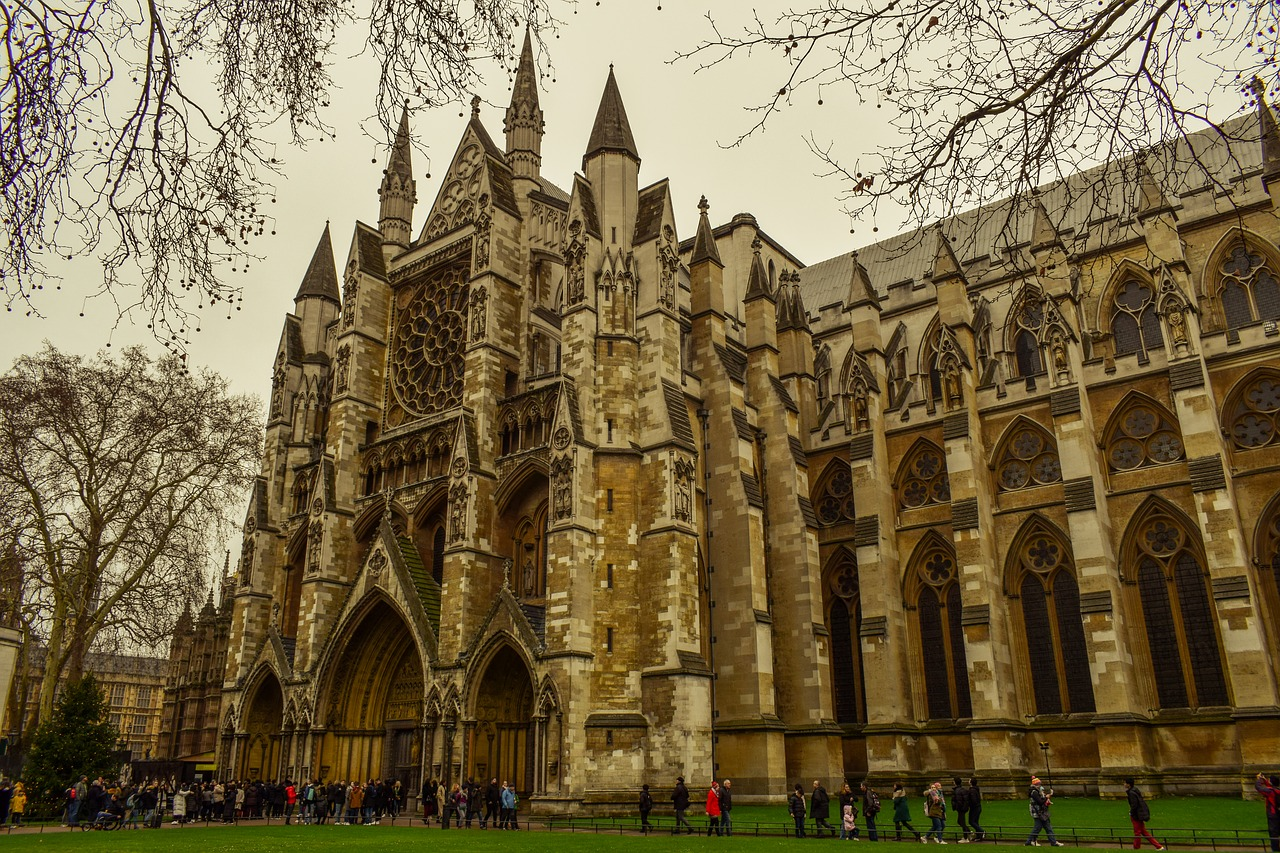 A Millenium-year-old church of Westminster, Abbey tour