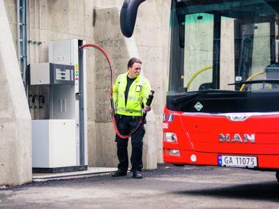 Rosenholm garasje, gass biogassbuss fyllestasjon