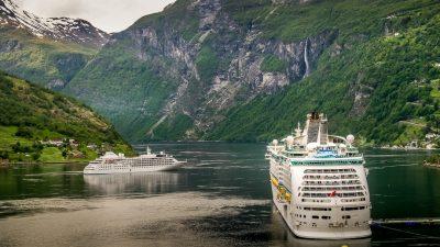 Cruise skip båt verdensarv fjord Geiranger