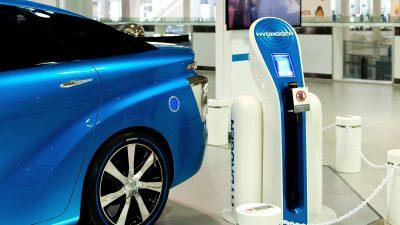 Toyota Mirai hydrogen bil