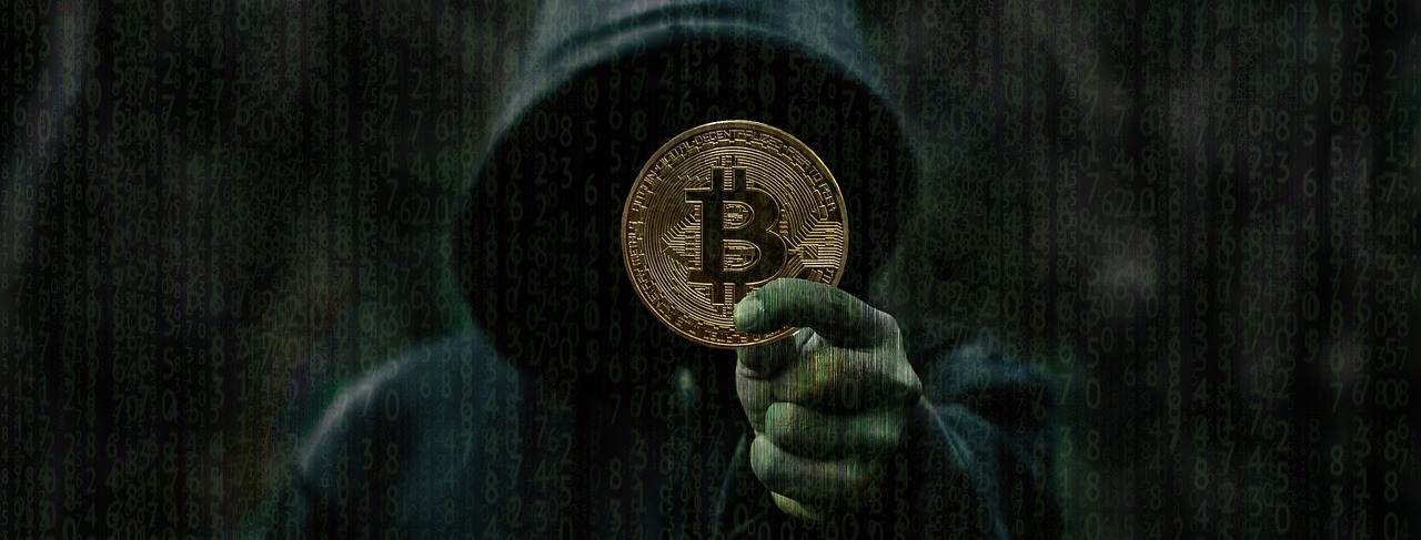 Kako je pravi Satoshi postavil temelje Bitcoin vojni, goljufivi 'Satoshi' pa jo je še podžgal