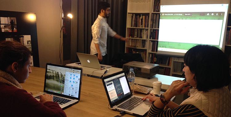 Coding Weekend con Lakshay, profesor y ninja coder