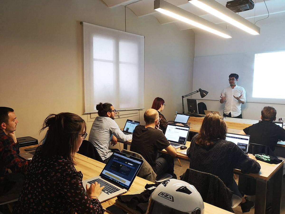 Curso Presencial de HTML / CSS con Bootstrap y Git en la Coding School SMARTNINJA de Barcelona