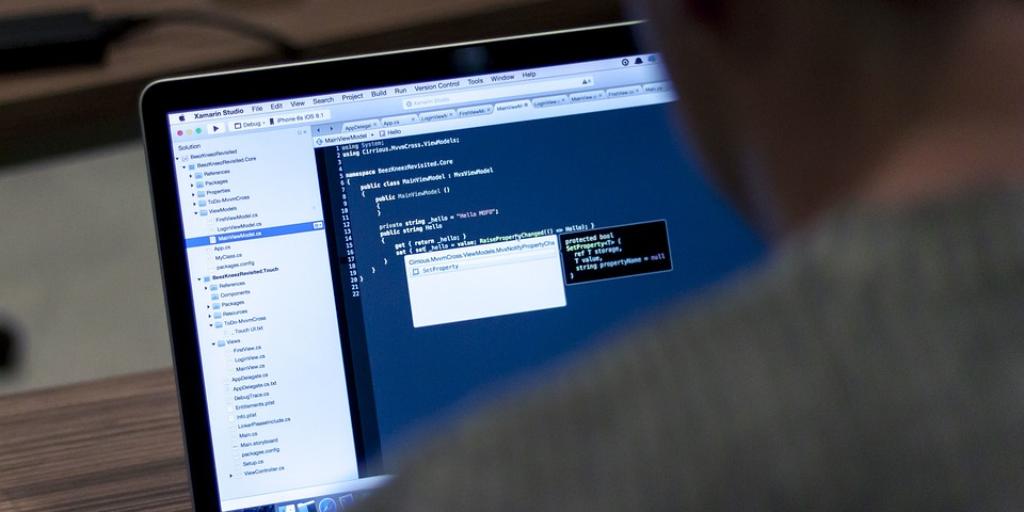 Programiranje je kot detektivka, nenehno reševanje problemov