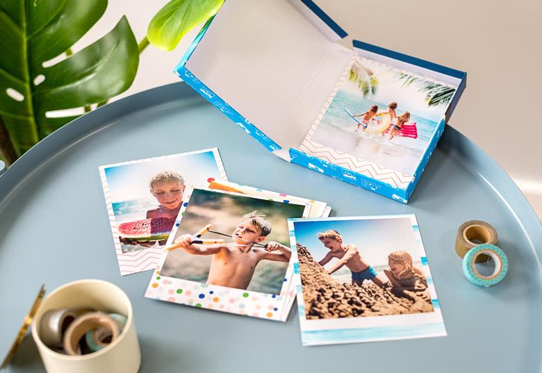 """Fan de tirages photo rétro ou photos vintage ? Découvrez """"Prints in a Box"""" de smartphoto. Boite photo déco avec tirages photos à l'ancienne"""
