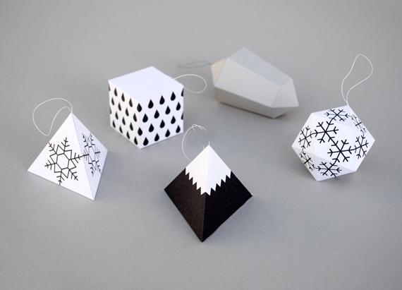 Décoration de Noël à faire soi-même : boules de Noël en papier