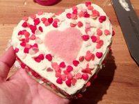 Créez votre propre gâteau au chocolat en forme de coeur