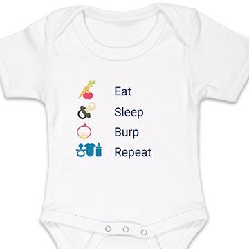 """Body blanc pour bébé portant les inscriptions """"eat sleep burp repeat"""" avec les icônes corresponsantes."""