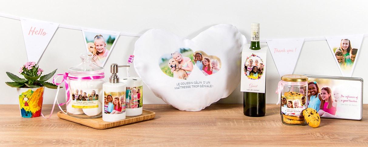 Des plaques de Noël fait main signe présente Ami Cadeaux Boissons Alcool drôle