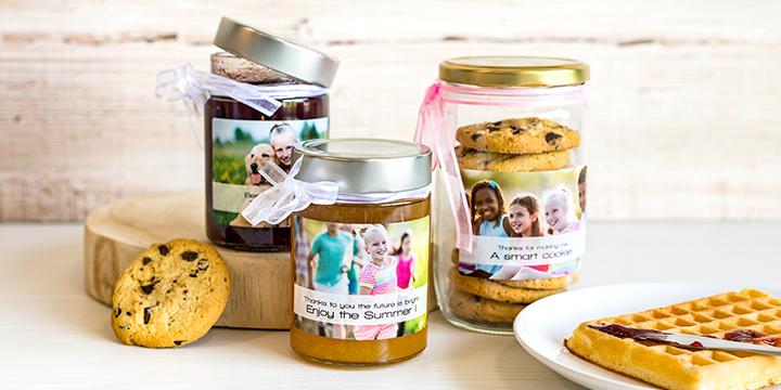 Marmeladengläser personalisiert mit selbst gestalteten Etiketten als Geschenk für Lehrer