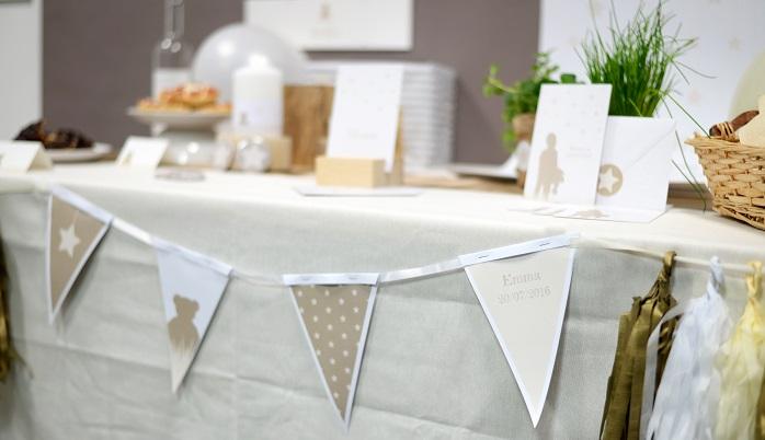 Banderole de fanion pour décorer une table
