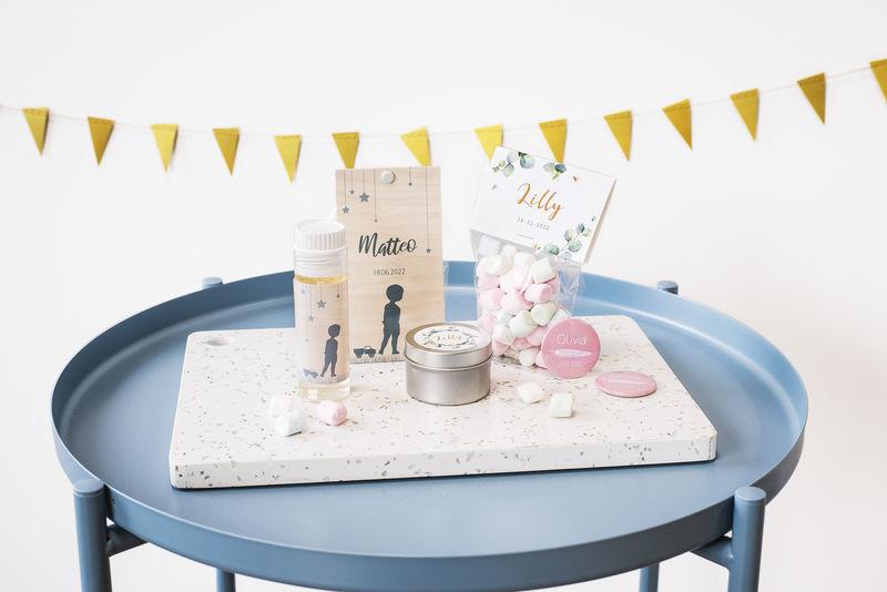 Cadeaux personnalisés pour les invités d'une baby shower