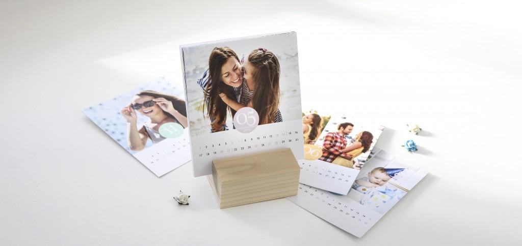 Kalender med foto i träblock