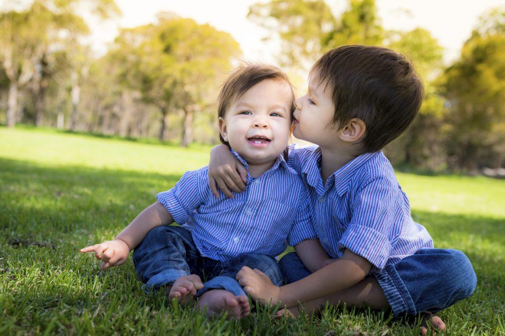 Viskleken - att lyckas med syskonporträtt