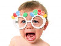 8 stadier du som förälder går igenom när du ska ta den perfekta bilden till kalasinbjudan!