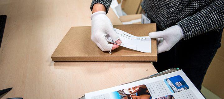 Nu kan du välja hur du vill att dina fotoprodukter ska levereras till dig och spåra ditt paket!