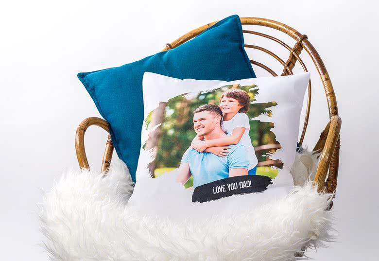 Tyyny varustettuna valokuvalla