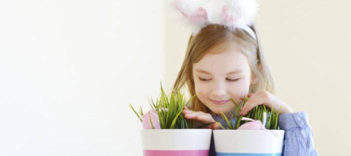 Hauskimmat pääsiäispuuhat lapsille – kolme askarteluvinkkiä, joita voitte tehdä ulkona