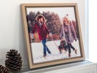 Luo talvitunnelmaa kehystetyillä kuvilla