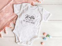 Lahja vastasyntyneelle – 7 ihastuttavaa ja henkilökohtaista lahjaa vauvalle ja vanhemmille!