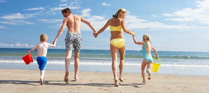 Vietä aurinkoinen päivä rannalla